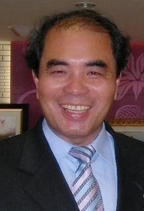 吳雁門:曾任飛沙、崙背、口湖國中校長,係一資深輔導與諮商工作者,曾獲九項文學獎。